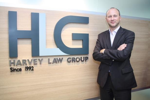 Mr. ဘတ္စ္ရွန္ ထရဲလ္ကတ္ (Mr. Bastien Trelcat), Managing Partner Southeast Asia